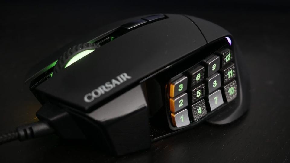 Critique du Corsair Scimitar RGB Elite - TheSixthAxis