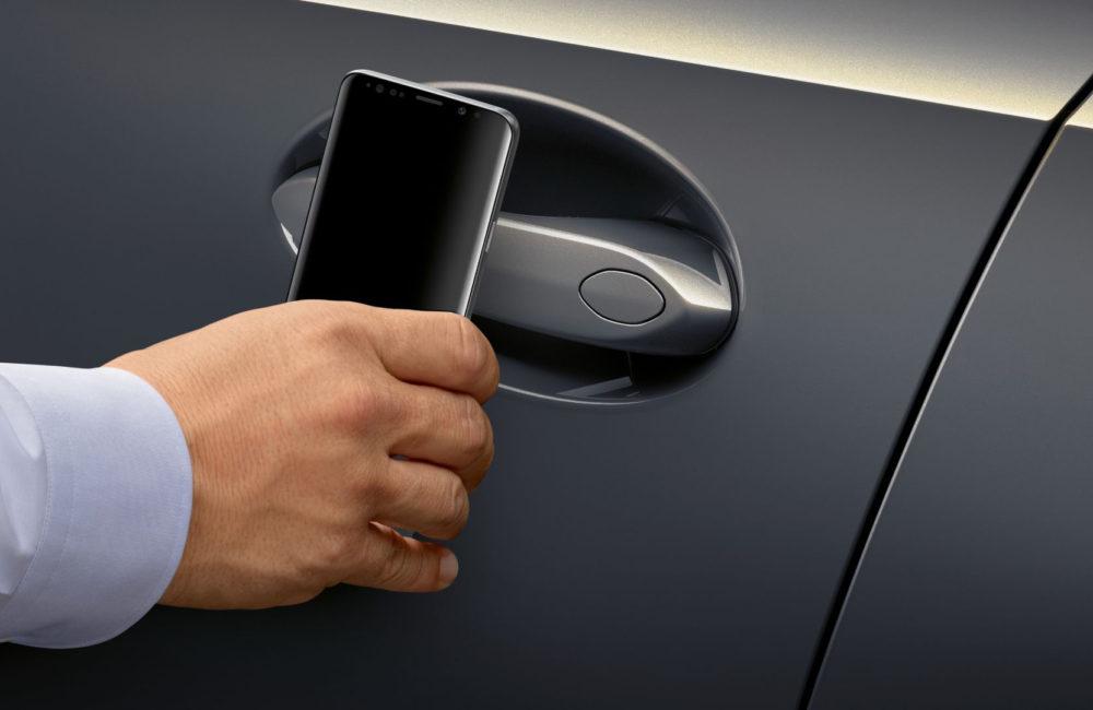 bmw digital key Apple CarKey will allow you to send digital keys using the Messages app