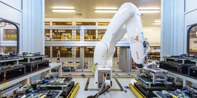 foxconn remplace la moitie de ses employes par des robots - iPhone 7 : les fournisseurs d