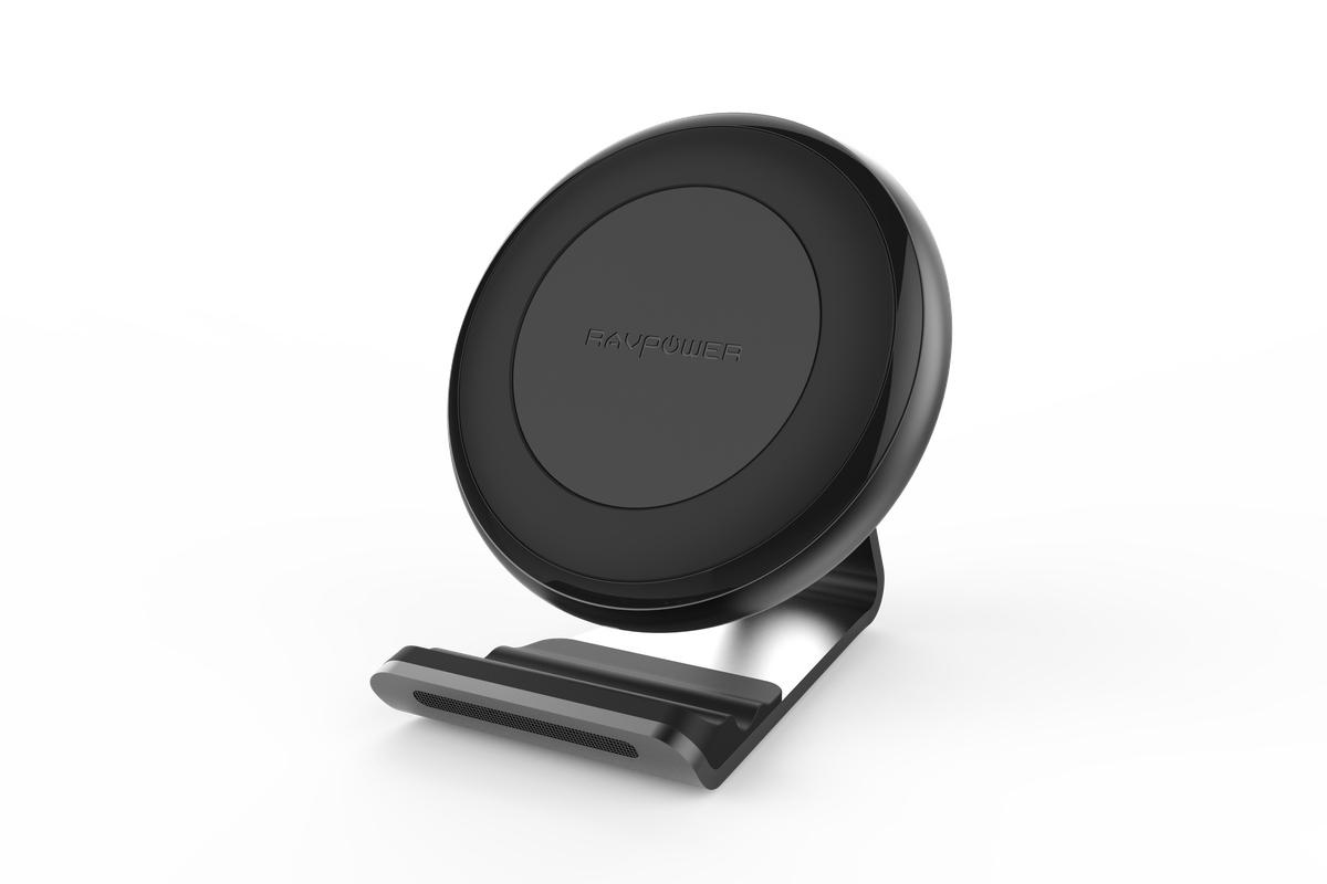 ravpower chargeur sans fil iphone 8 1024x683 - iPhone 8 : la recharge sans fil confirmée par l